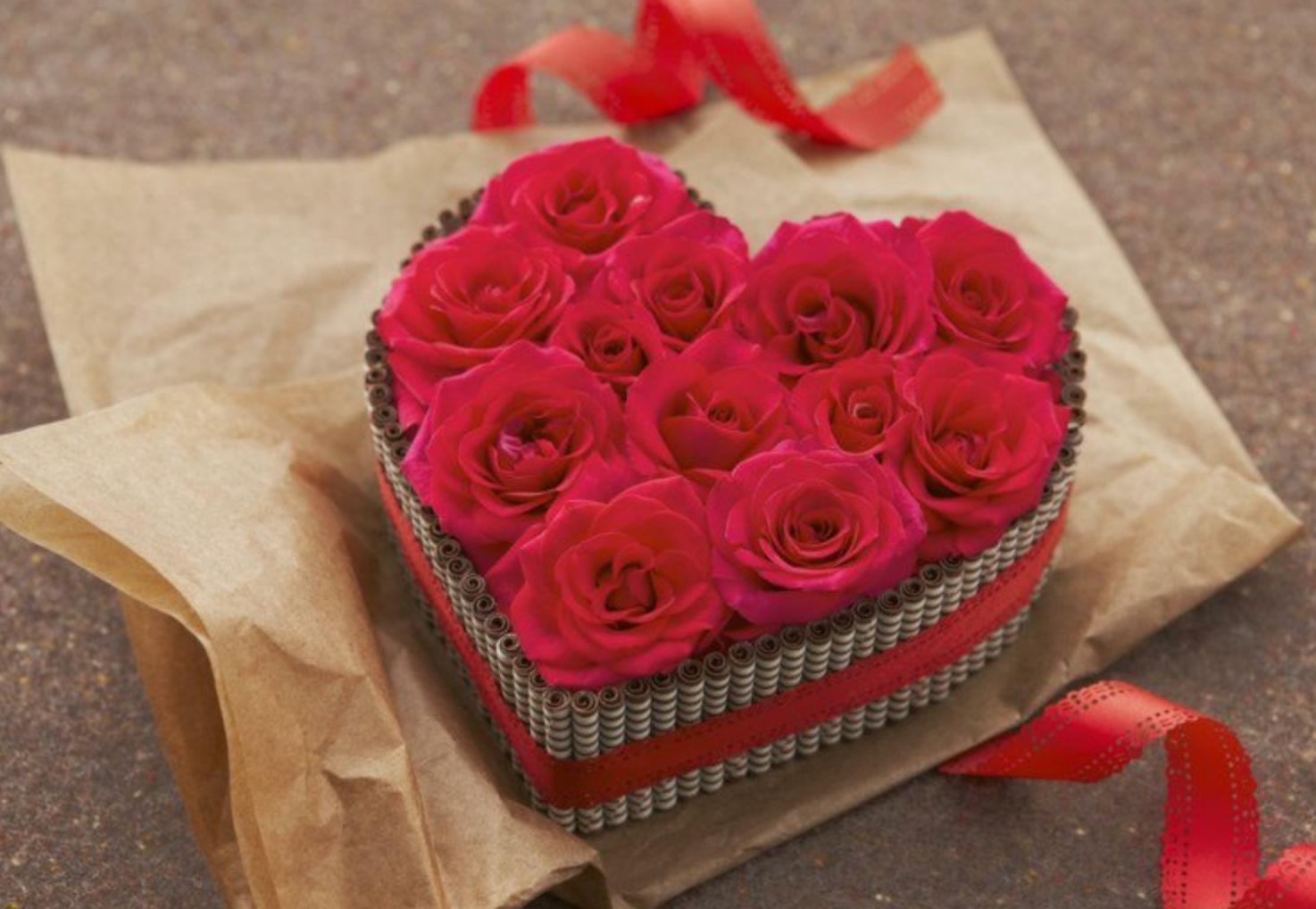 Combien De Rose Pour La St Valentin pourquoi offre-t-on des fleurs à la saint-valentin ?   lfm