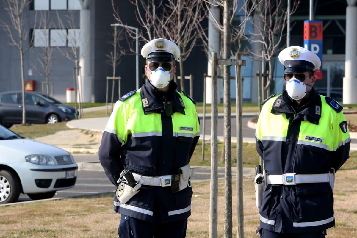 Coronavirus, les écoles de Lombardie restent fermées