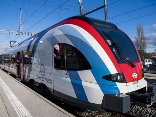 Le Léman Express avait été inauguré officiellement jeudi mais il est opérationnel depuis dimanche matin dans la région genevoise (archives). (Le Léman Express avait été inauguré officiellement jeudi mais il est opérationnel depuis dimanche matin dans la région genevoise (archives). (©KEYSTONE/JEAN-CHRISTOPHE BOTT))